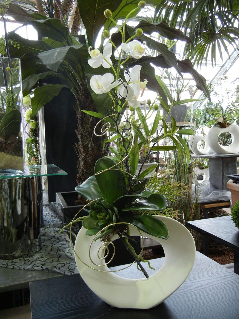 kreative gestaltungsidee mit k nstlichen blumen ams 6. Black Bedroom Furniture Sets. Home Design Ideas